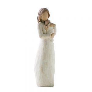 Figurina decorativa mama cu copil in brate Tenderness statueta