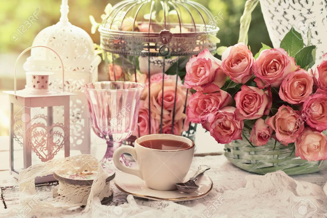 servim un ceai sau o cafea la pravalia cu surprize