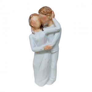 Statueta cuplu indragostiti Loving alb 9cm