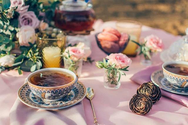 ceai sau cafea la pravalia cu surprize