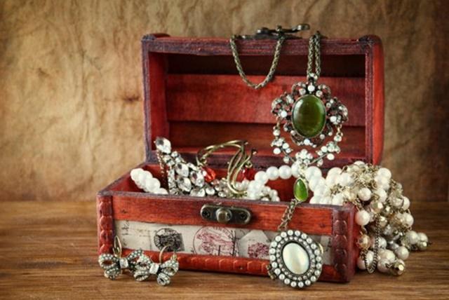cutii si cufere de bijuterii